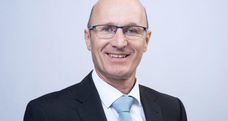 Peter Arnet